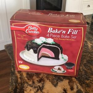 Betty Crocker Bak'n Fill Bake Set